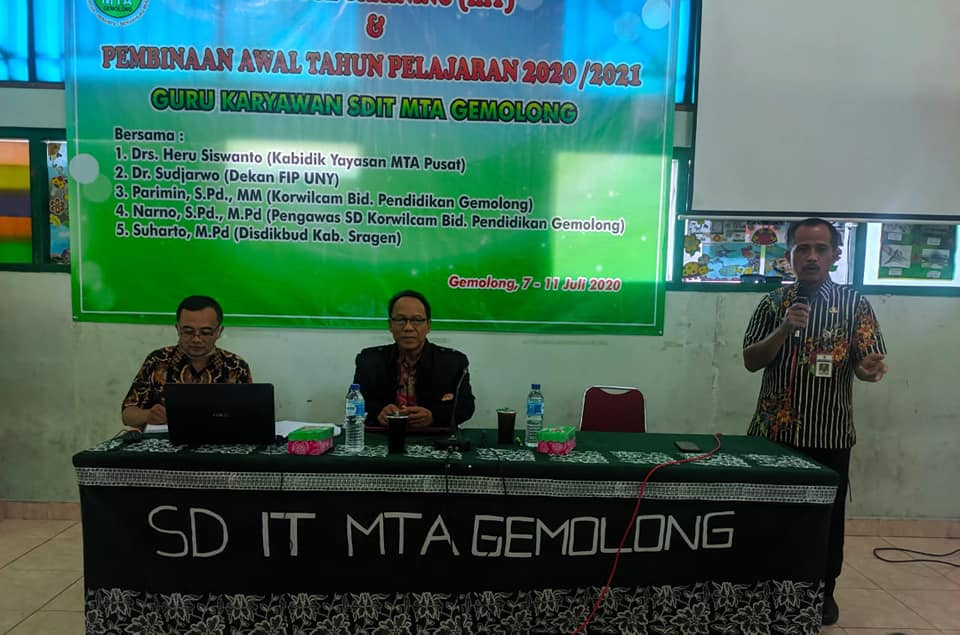 In House Training (IHT) #3 Pembinaan Guru dan Karyawan Oleh Korwilcam Bidang Pendidikan Kecamatan Gemolong Tahun Ajaran 2020/2021