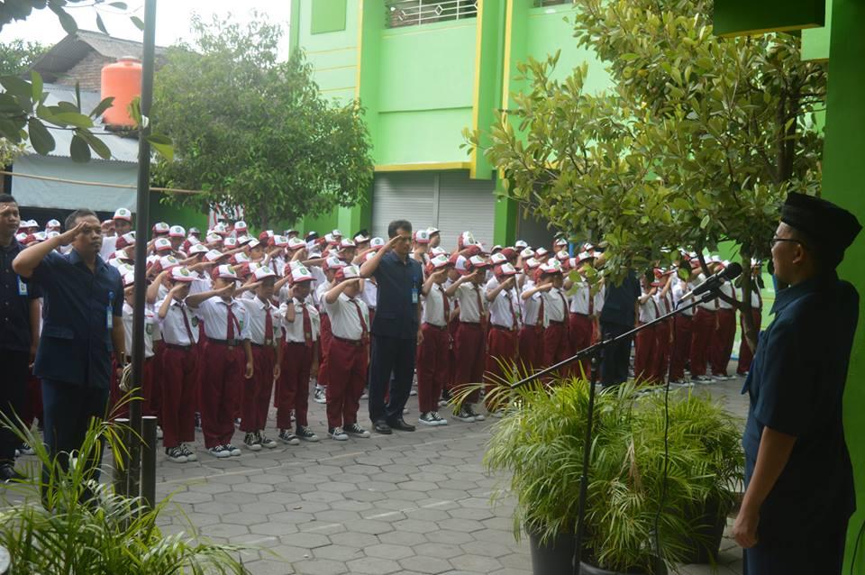 Upacara Hari Guru Nasional 2018